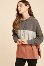 Load image into Gallery viewer, Colorblock Side Slit Sweatshirt