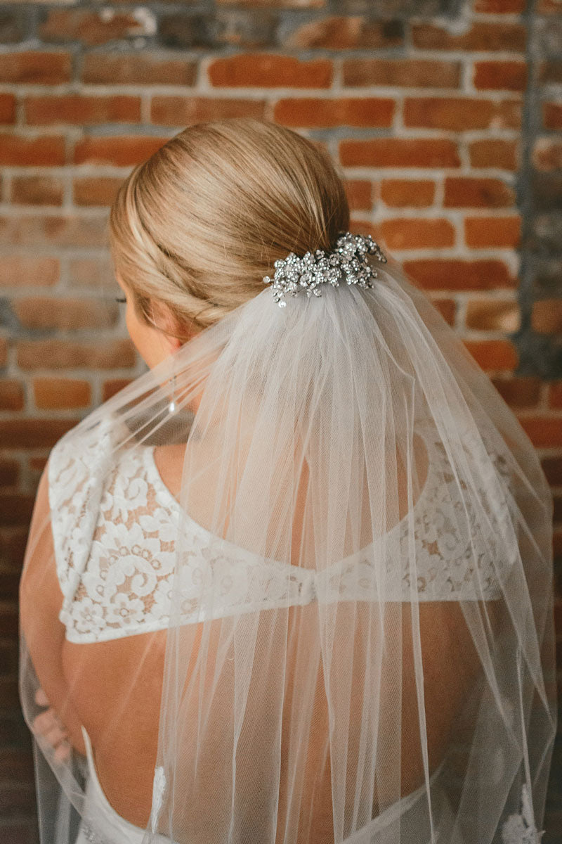 bride-veil-with-crystal-haircomb-headpiece-bride-lace-wedding-dress-pop-up-wedding-shoppe-vancouver