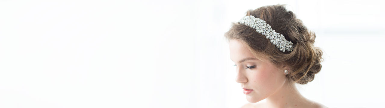 bride wearing jenny packham ananti headband