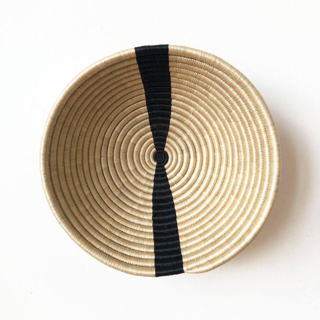 Shop Stacy Garcia_Accessories_Bowls_Beige with Black Stripe Woven Bowl