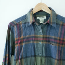 Load image into Gallery viewer, Eddie Bauer Womens Plaid Button Down Shirt