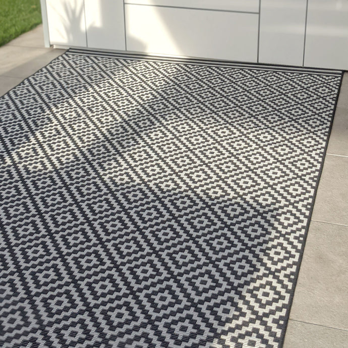 Cheshire Monochrome Diamond Print Outdoor Rug Rug