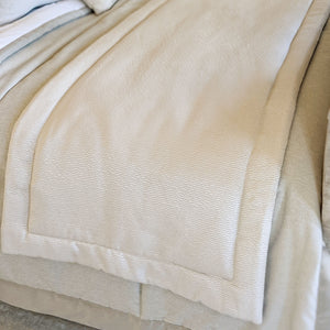 Kiri Oyster Luxury Bed Runner OB