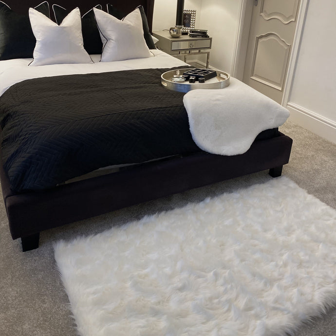 White faux fur rug, super soft and fluffy