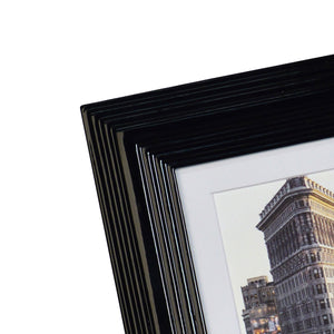 Midtown High Gloss Black 4 x 6 Molded Modern Frame