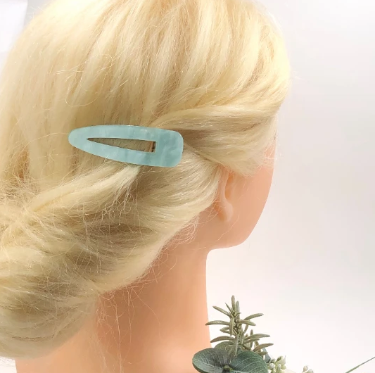 Fancy Hair Clips: Stylish Hair Clips and Hair Accessories to Wear on This Christmas