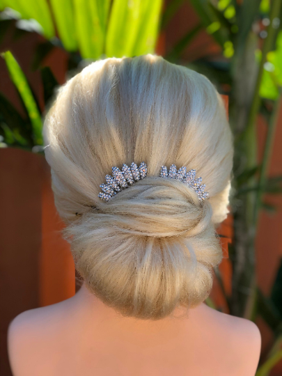 wedding hairstyle with combs
