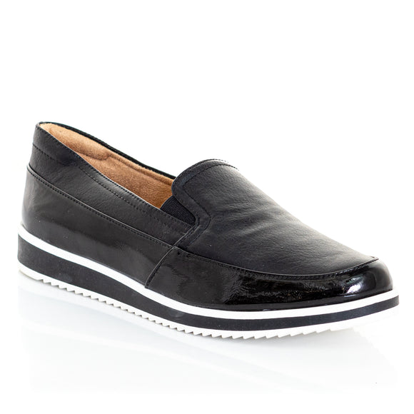 NATURALIZER Beale Slip On Sneakers