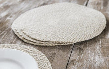 Load image into Gallery viewer, Set of 4 Jute Placemats