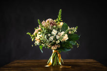 Load image into Gallery viewer, pearl bouquet