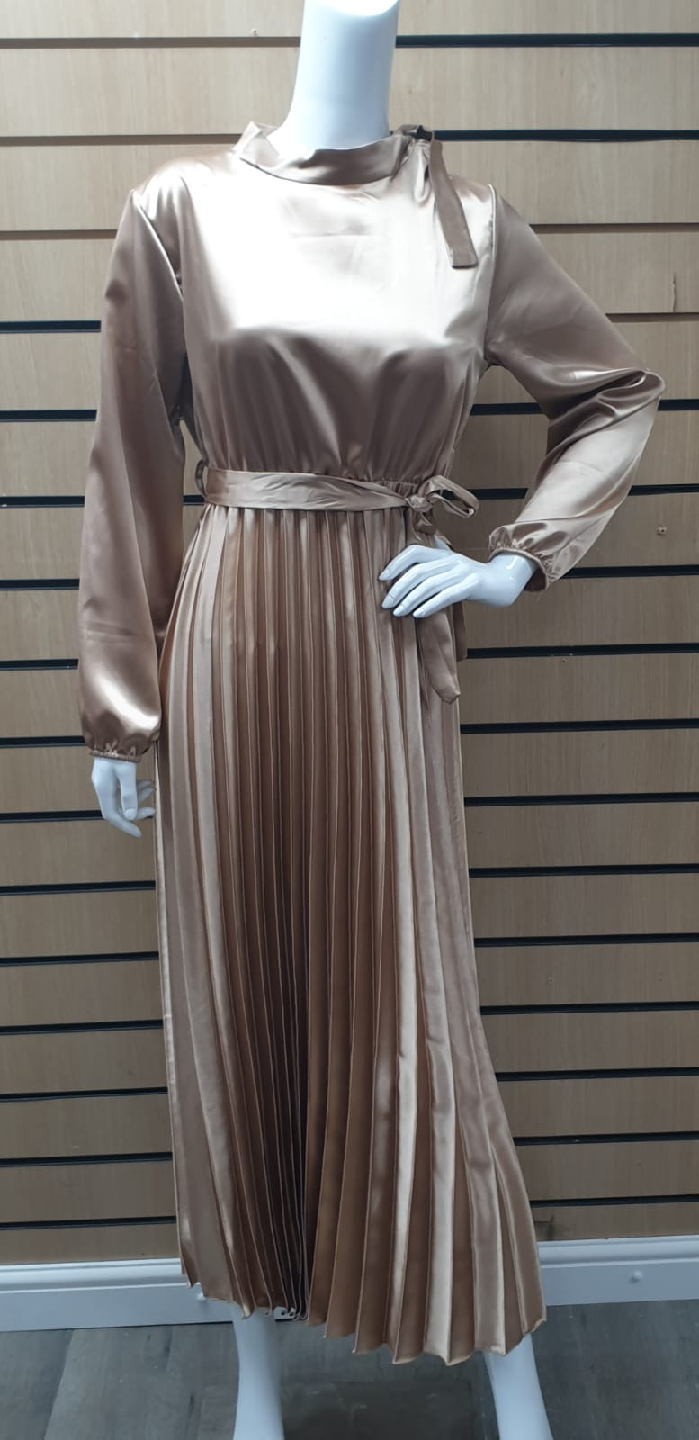 DSS 04 LONG PLEATED DRESS with buckle.