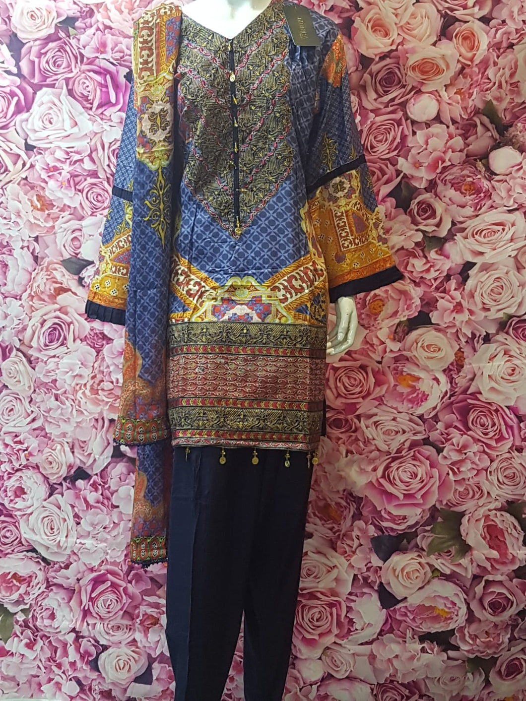 SKD 20 LININ MATERIAL KAMEEZ WITH EMBROIDERY