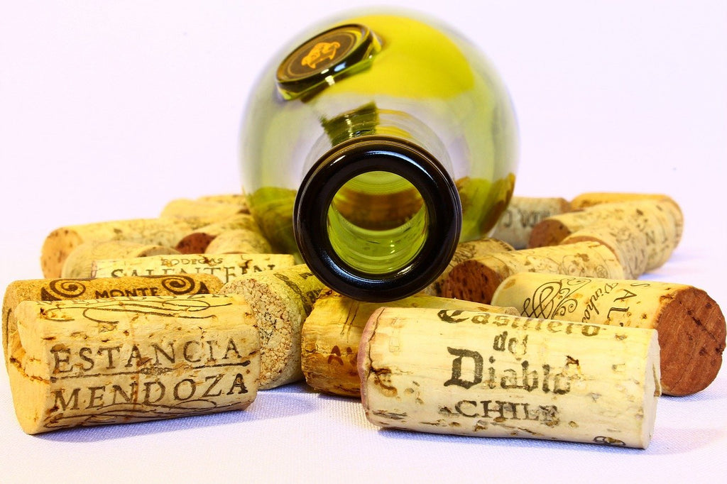 wine facts & fiction - screw top vs corked wine