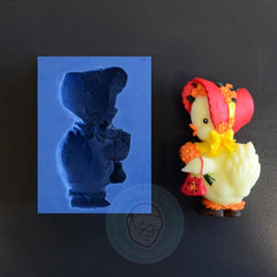 SPECIAL CONSTRUCTION MOLD CHICKEN WITH HAT