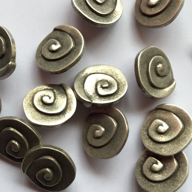 18mm Silver Coloured Metallic Button | TGB1622