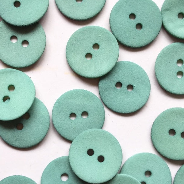 18mm Matt Green Shell Button | TGB3820