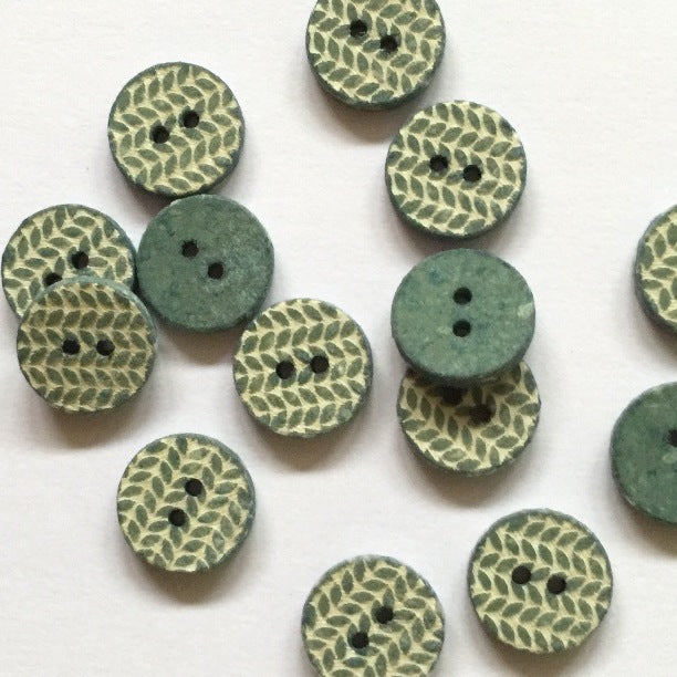 12mm Shell Button With Green Knit Pattern | TGB2662