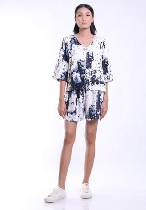 ONE SET ABSTRAK PRINT TOP SHIRT AND BOTTOM