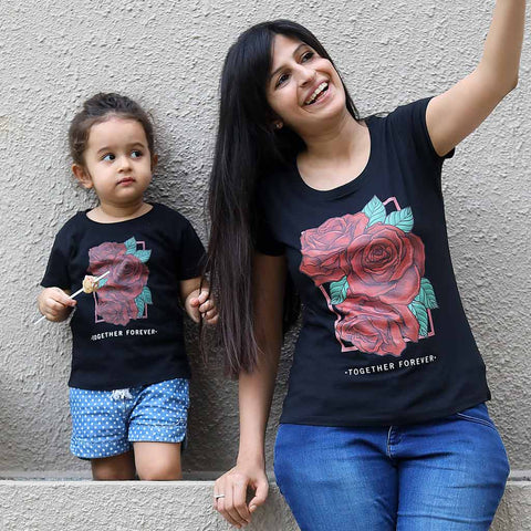 Red Roses, Mom And Daughter Matching Tees