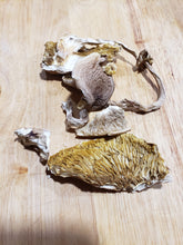 Load image into Gallery viewer, Dried Pioppino Mushrooms