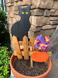Cat on a Fence Harvest Decor