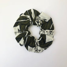 Load image into Gallery viewer, Floral Cotton Scrunchie