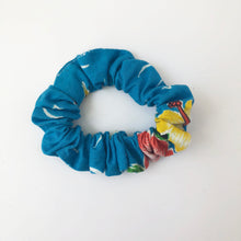 Load image into Gallery viewer, Mini Cotton Print Scrunchie