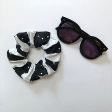 Load image into Gallery viewer, Black and White Scrunchie