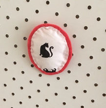 Load image into Gallery viewer, DIY Fabric Brooch