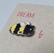 "Load image into Gallery viewer, Enamel pin card ""Dream Beeg"""