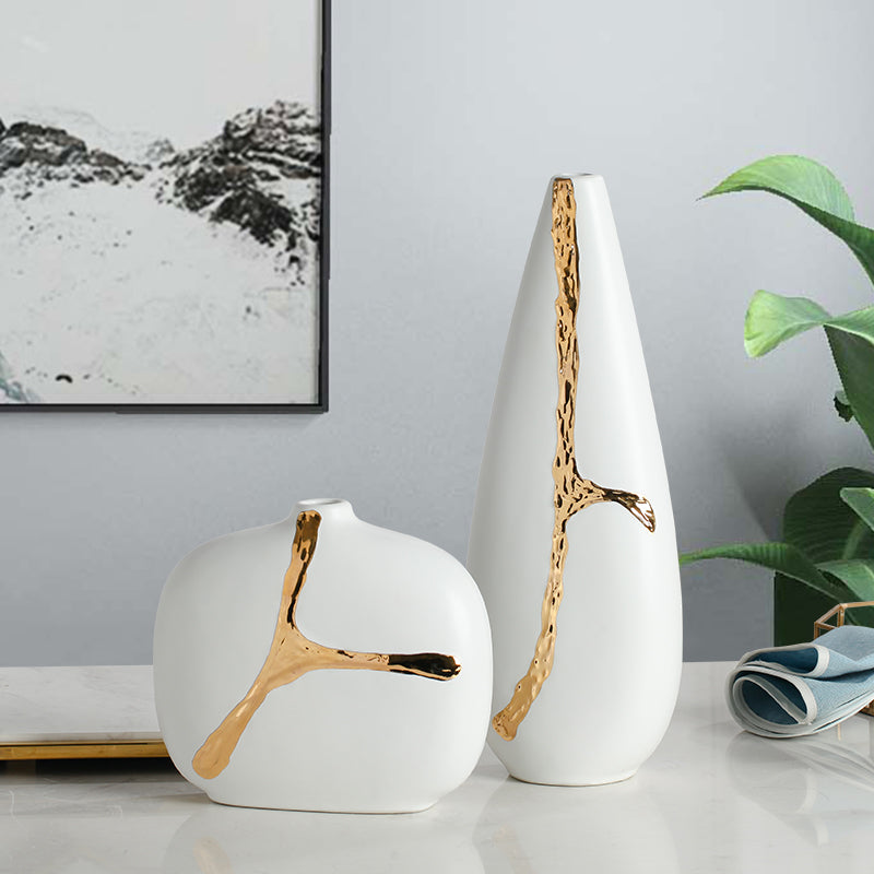 Beautiful White Vase With Golden Touch
