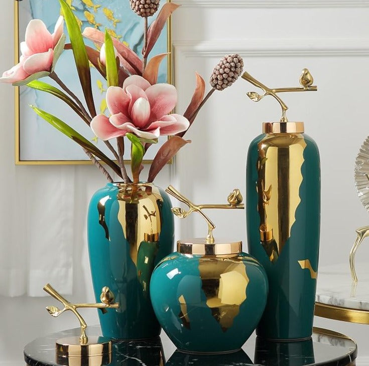 Beautiful Vase With Gold Pealing