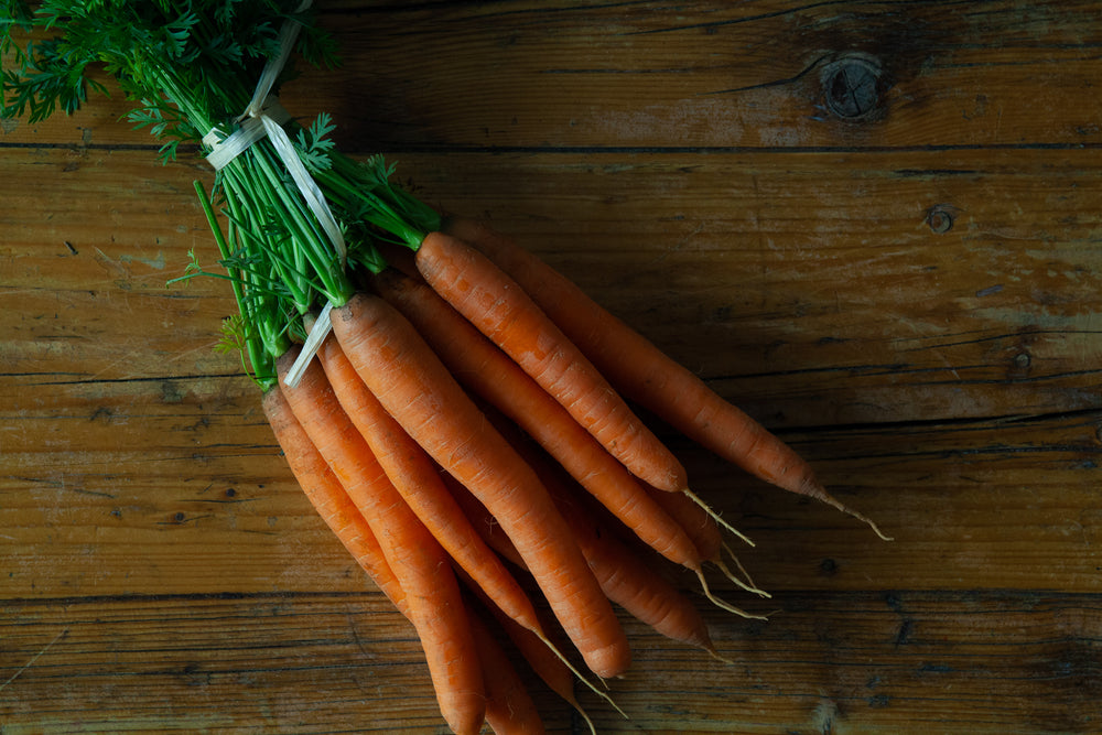 Spring carrots (1x bunch)