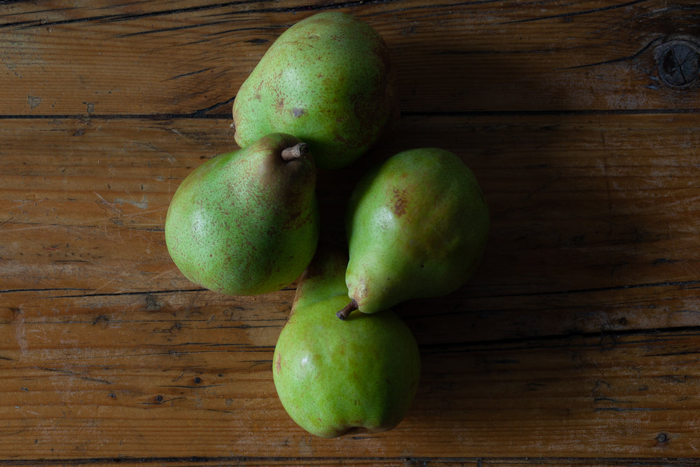 Load image into Gallery viewer, Doyenne de Comice pears (4x pieces)