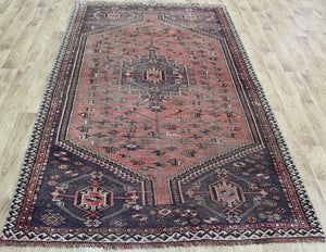 ANTIQUE PERSIAN SHIRAZ QASHQAI RUG CIRCA 1900