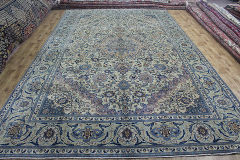 ANTIQUE PERSIAN KASHAN CARPET OF CLASSIC MEDALLION DESIGN 490 X 300 CM