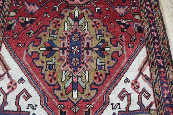 OLD NORTH WEST PERSIAN HERIZ RUNNER, VERY HARD WEARING 320 x 107 CM