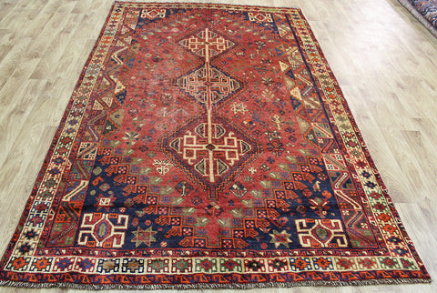 AN OUTSTANDING SOUTH WEST PERSIAN SHIRAZ QASHQAI RUG 265 x 165 CM