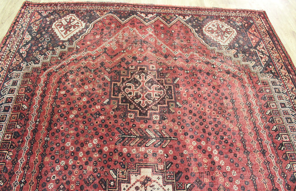 ANTIQUE SOUTH WEST PERSIAN SHIRAZ QASHQAI TRIBAL RUG, 290 x 185 CM