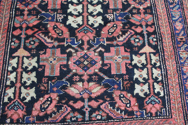 ANTIQUE PERSIAN MALAYER RUNNER WITH SHRUB DESIGN, GOOD COLOUR, CIRCA 1900.