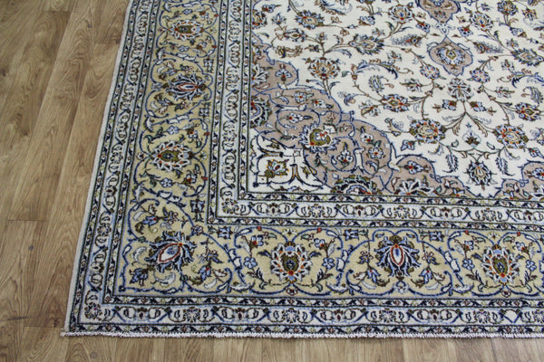 Fine Persian Kashan Carpet Floral Design 345 x 253 cm