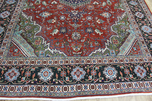 Fine Persian Tabriz carpet 340 x 257 cm