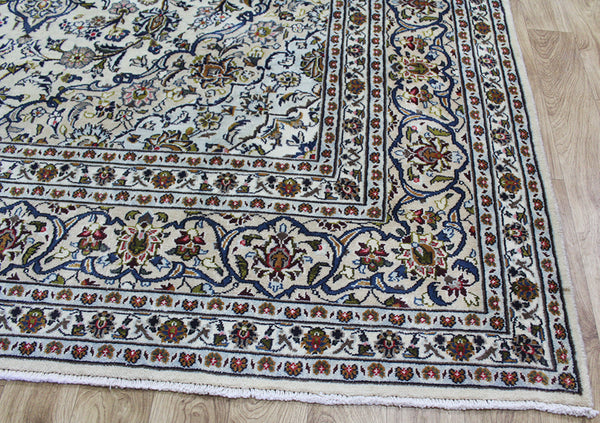 Handmade Persian Kashan carpet with great design & superb colours 340 x 248 cm