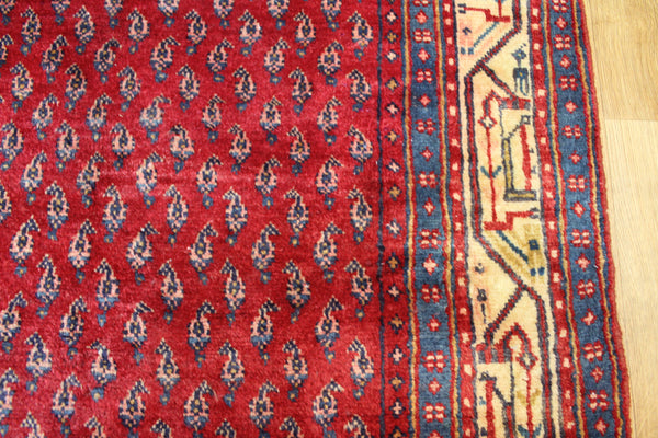 Fine Persian Mahal Runner with Paisley design 330 x 105 cm