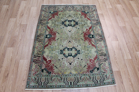Fine Persian Tabriz rug with double medallion design 143 x 100 cm