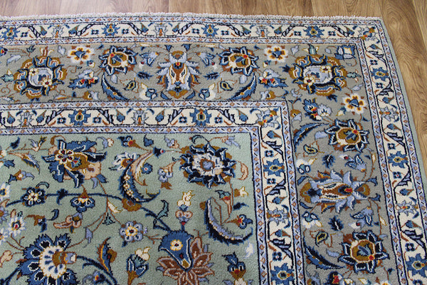 An Outstanding Persian Kashan Carpet 385 x 280 cm