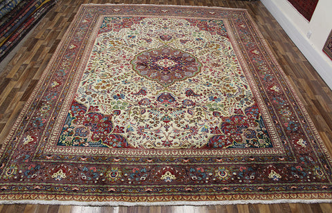 Old Handmade Persian Tabriz Carpet 395 x 300 cm