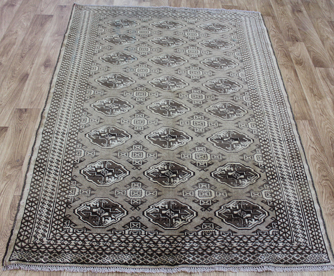 Old Persian Turkmen rug 180 x 130 cm