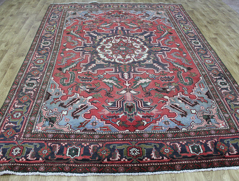 Antique Persian Heriz carpet 325 x 220 cm