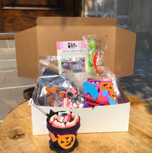 Load image into Gallery viewer, Halloween Family Fun Pack (Toronto Delivery Only)